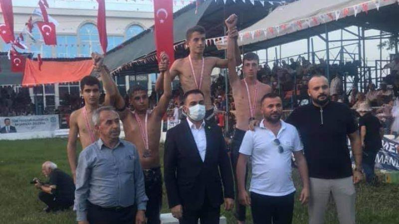 Kocaeli Haber - İzmitli Güreşçiler Çanakkale'den 3 altınla döndü