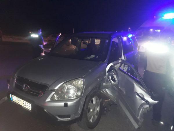 Sakarya'da cip ile hafif ticari araç çarpıştı: 5 yaralı