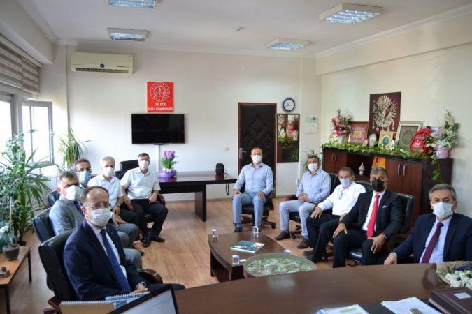 Okul müdürleri ile çevrimiçi toplantı