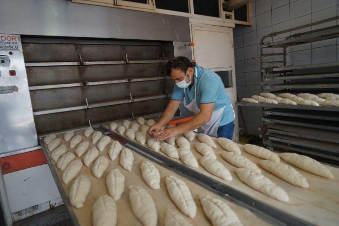 Afet bölgesinde balçık ve çamurdan temizlenen fırında ekmek üretimine başlandı