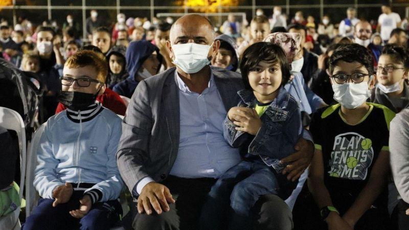 Kocaeli Haber - Körfez'de çocuklar film gecesinde eğlendi