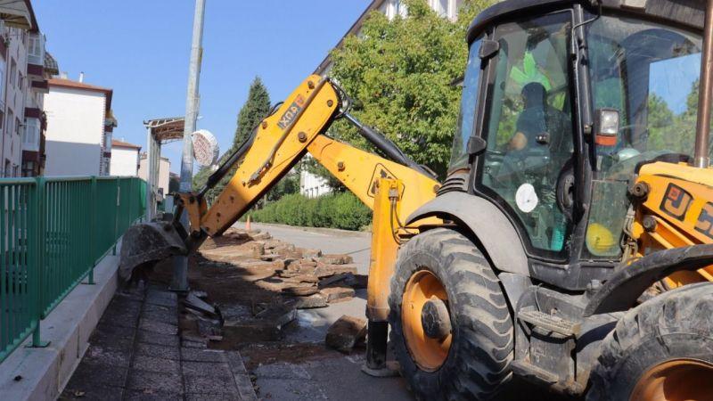 Kocaeli Haber - Şirintepe Mahallesi Bora Sokak'ta kaldırımlar yenileniyor