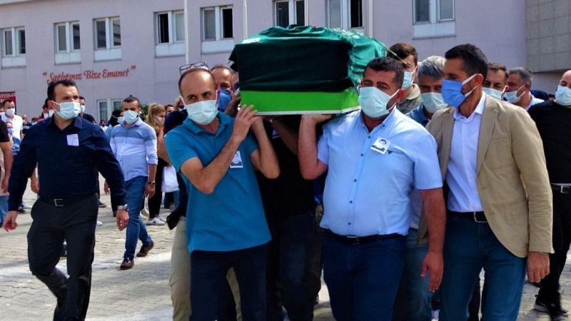 Kocaeli Haber - Korona Virüsten Hayatını Kaybeden Doktor Hastaneden Törenle Uğurlandı
