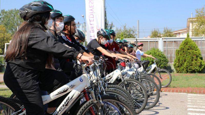 Kocaeli Haber -İzmitli gençler pedalları sağlık için çevirdi