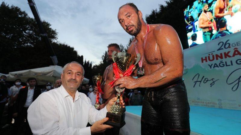 Kocaeli Haber -Hünkar Çayırı Yağlı Güreşleri'nin şampiyonu Ali Gürbüz oldu