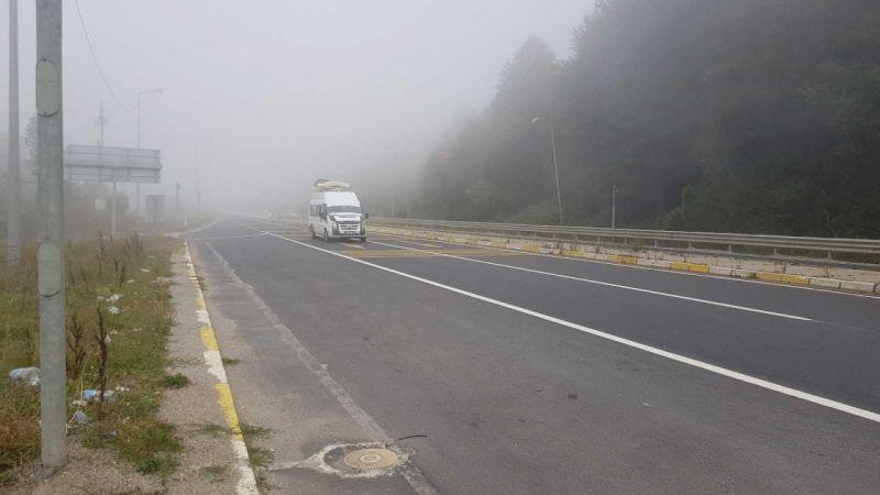Bolu Dağı sisle kaplandı, görüş mesafesi 30 metreye düştü