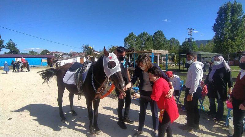 Kastamonu'da özel ve engelli bireyler, atla terapi görecekler