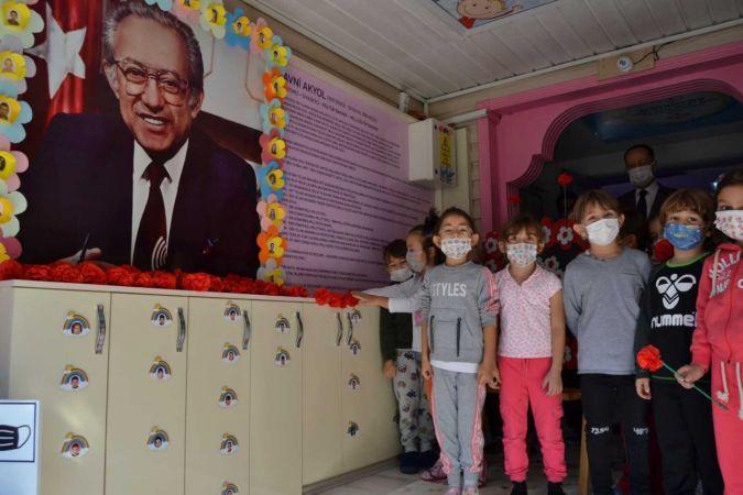 Minik öğrenciler Avni Akyol'u andı