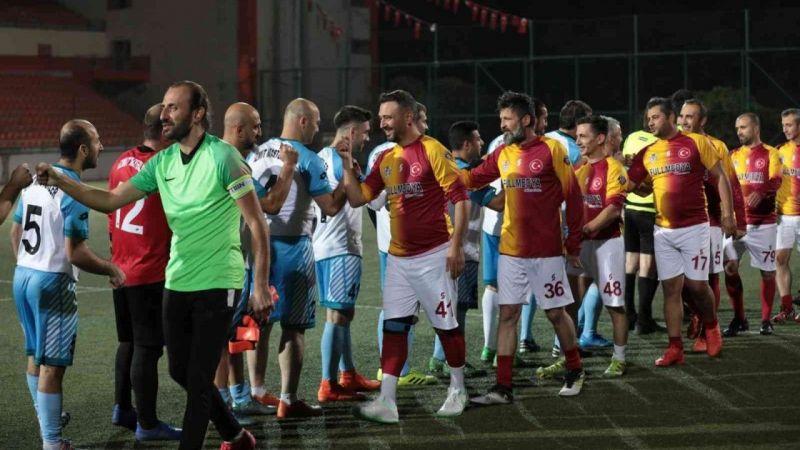 Kocaeli Haber - İzmit Belediyesi Başkanlık Kupası'nda 4 gün geride kaldı
