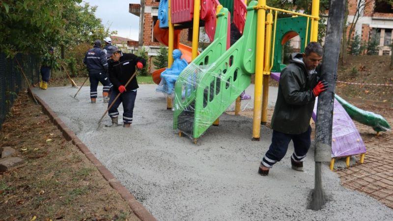 Kocaeli Haber - İzmit Belediyesi parklarda iyileştirme çalışmalarını sürdürüyor