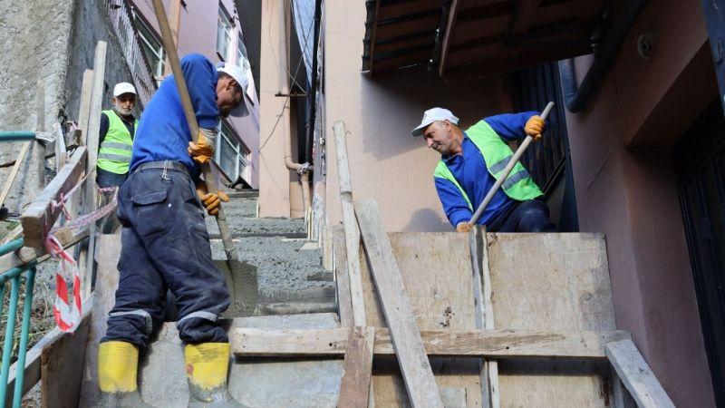 Kocaeli Haber -İzmit Belediyesi Terzibayırı'nda merdiven yeniliyor