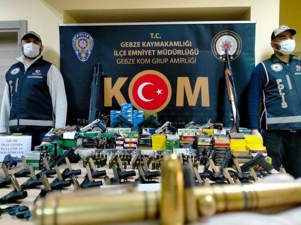 Suikast silahları bile üreten silah kaçakçıları polisten kaçamadı