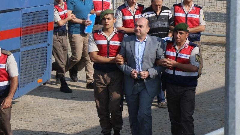 Darbeci amiral İmren'e Cumhurbaşkanına hakaretten 7 yıl hapis