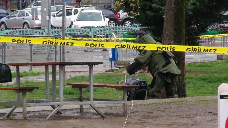 Bomba imha ekiplerinin patlattığı valiz boş çıktı