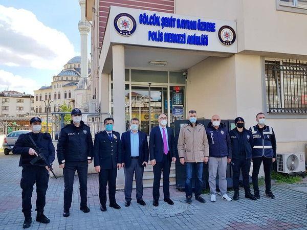 Karabulut ve Sezer'den polislere ziyaret