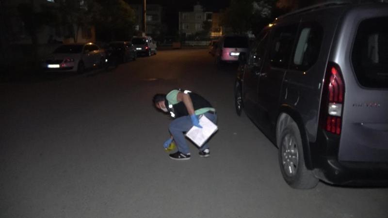 Yolda tartıştığı kişiye kurşun yağdırıp kaçtı