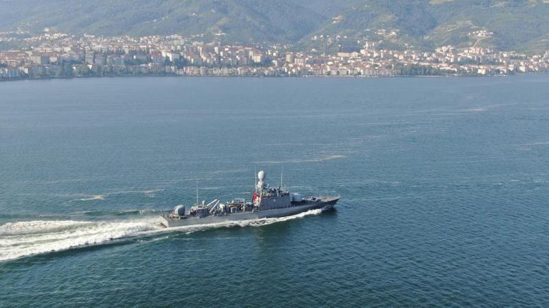 Gölcük'ten denize açılan donanma gemileri havadan görüntülendi
