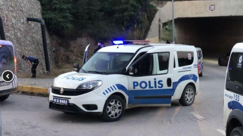 Polis ekiplerine saldırdılar