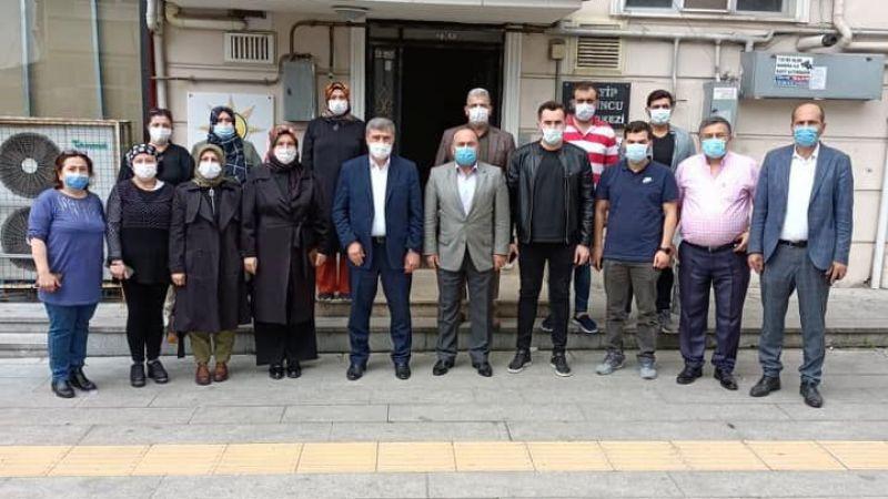 Vekil Çakır ve AKP teşkilatı Gölcük'ü arşınladı