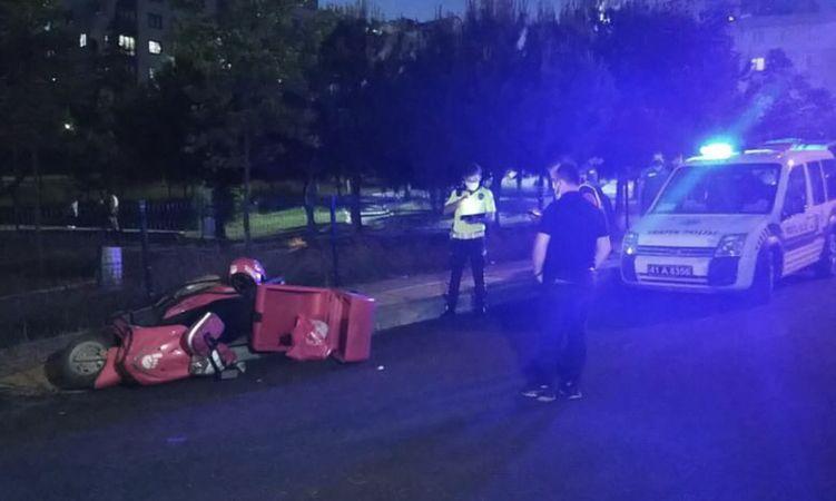 otomobilin çarptığı motosikletli kurye yaralandı