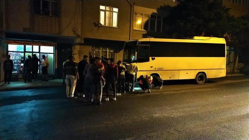 Önce çocuğa sonra otobüse çarptı: 3 yaralı