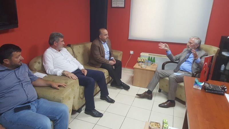 Vekil Çakır ve Başkan Seymen Gölcükspor'u ziyaret etti