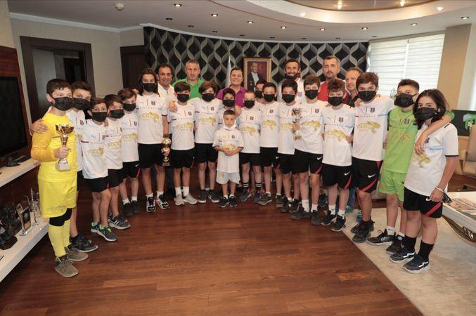 Gölcük Karadeniz Spor Kulübü Hürriyet'e teşekkür etti