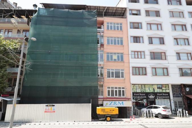 O binanın yıkımına 22 yıl sonra başlandı
