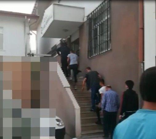 Bir minibüste 21 kaçak göçmen yakalandı