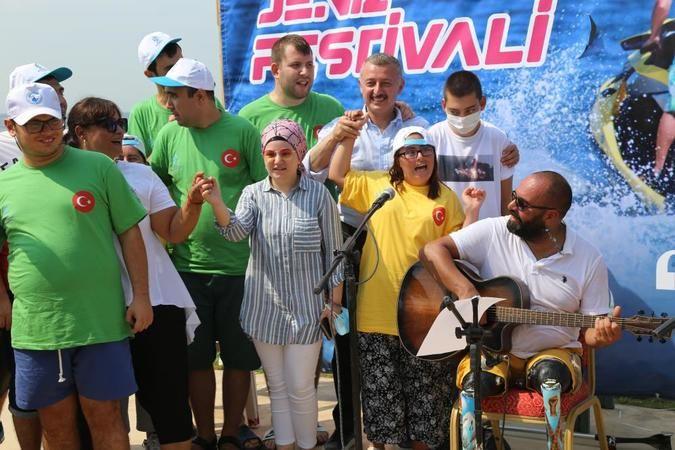 Özel bireyler, deniz festivalinde doyasıya eğlendi