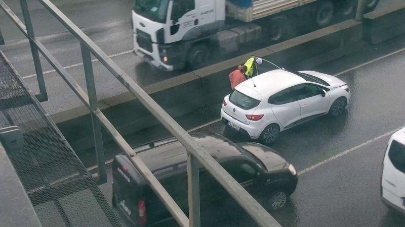 Dikkat!  Arızadan dolayı trafik yoğunluğu yaşanıyor