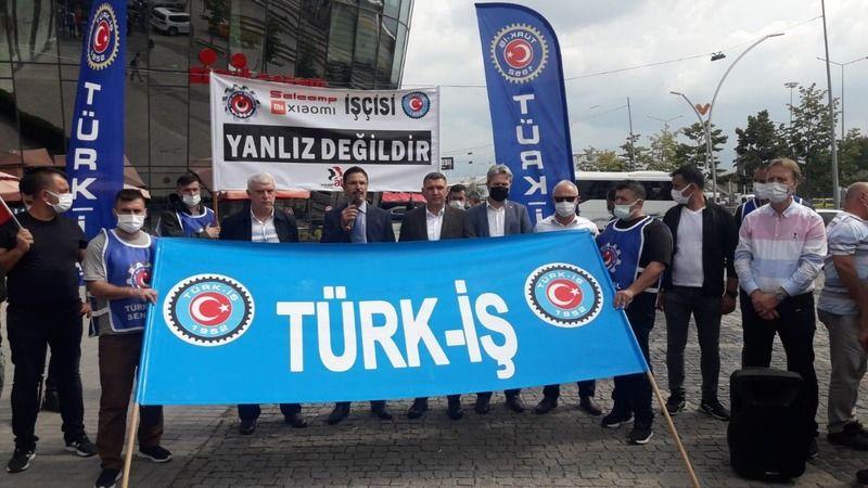 Kocaeli'de Türk-İş üyeleri işçiler için eylem yaptı