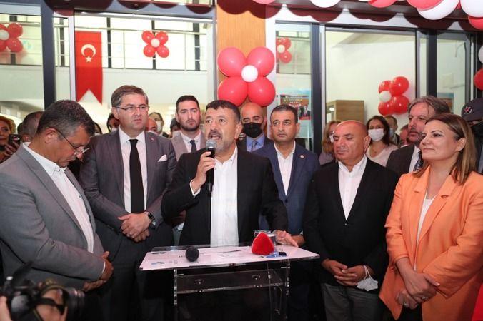 Hürriyet, Çınar Halk Market'i CHP'nin kurmaylarıyla açtı