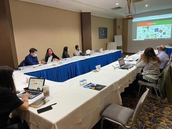 Erasmus Plus projesinin ilk toplantısı İzmit'te yapıldı