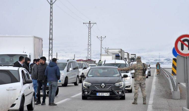Gümrük aracına roketli saldırı: 1 personel şehit oldu