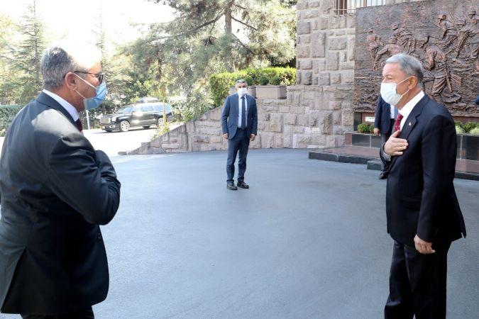 Libya diplomasisi sürüyor | Bakan Akar, Başağa ile bir araya geldi!
