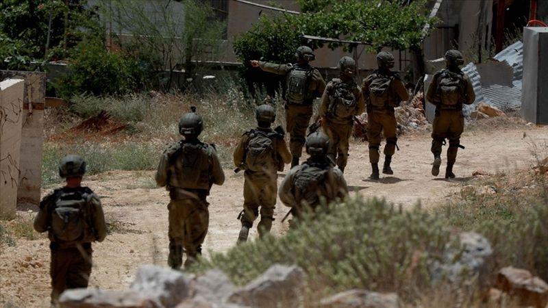 Katil İsrail askerleri Batı Şeria'da Filistinli bir çocuğu şehit etti