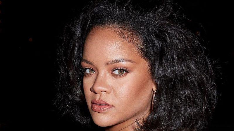 Rihanna, İsrail'in terör saldırılarını kınadı