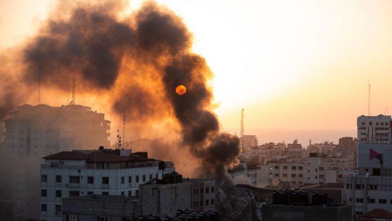 """Filistinli 8 yaşındaki Lina soruyor: """"Işıkları kapatırsak İsrail binamızı yıkamaz değil mi?"""""""