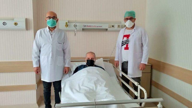 Safra kesesinden 5 bin taş çıktı! Karın ağrısı şikayetiyle hastaneye başvurmuştu...