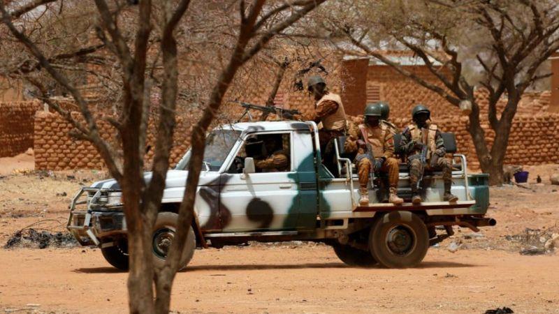 Burkina Faso'da kanlı saldırı: En az 100 ölü!