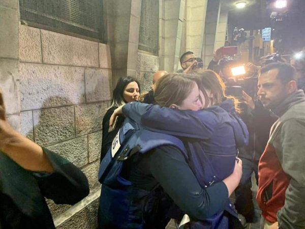 İşgalci İsrail polisleri, gözaltına aldığı El Cezire muhabirini serbest bıraktı
