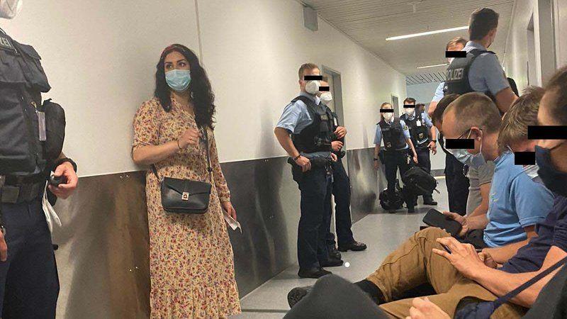 PKK'ya destek için Erbil'e gitmek isteyen milletvekilleri ve vatandaşları Alman polisi engelledi
