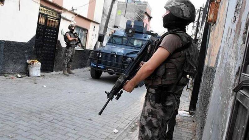 Kırmızı bültenle aranan terörist 12 kişiyle birlikte Hatay'da yakalandı!