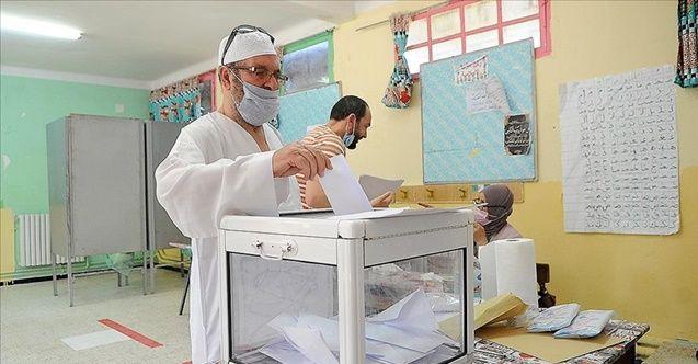 Cezayir'de 24 saat geçmesine rağmen seçim sonuçları açıklanmadı