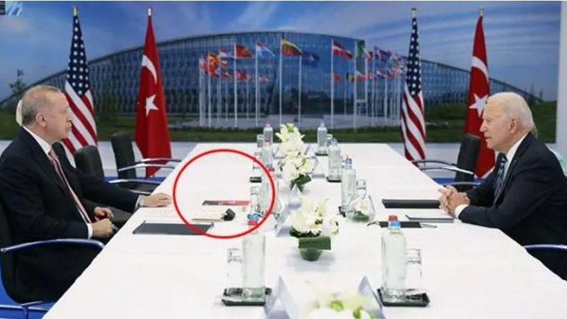 Erdoğan-Biden görüşmesinde masada dikkat çeken kitap!