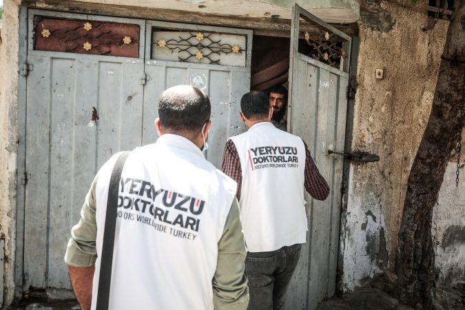 Yeryüzü Doktorları Gazze'deki yaralılar için evde bakım projesini hayata geçirdi
