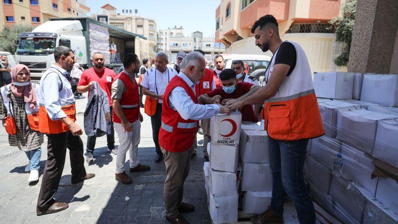 Kızılay Genel Başkanı Kınık, Gazze'de lojistik merkezinin açılışına katıldı
