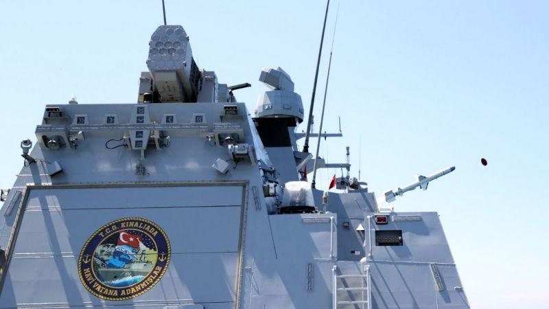 Milli gemi Atmaca'ya özel amblem
