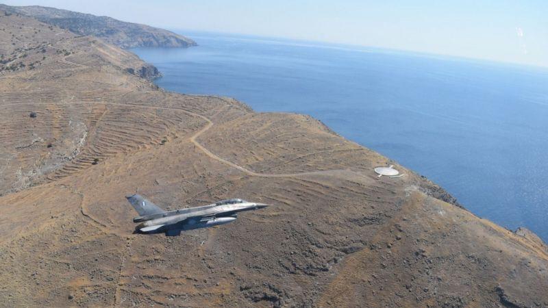 Yunan komutandan Ege'de provokatif uçuş!